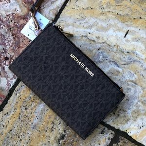 Nwt Michael Kors double zip SmartPhone wallet